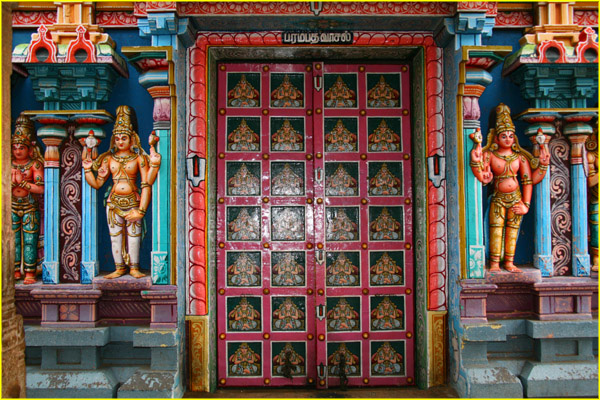 in srirangam near trichy tiruchirappalli tamil nadu   door detail